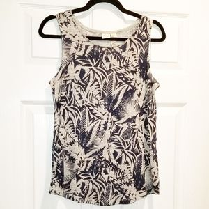 LUCY & LAUREL NWT blue white floral tank top